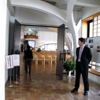 【日曜礼拝】(3) 受付後、礼拝堂に入りお待ちください